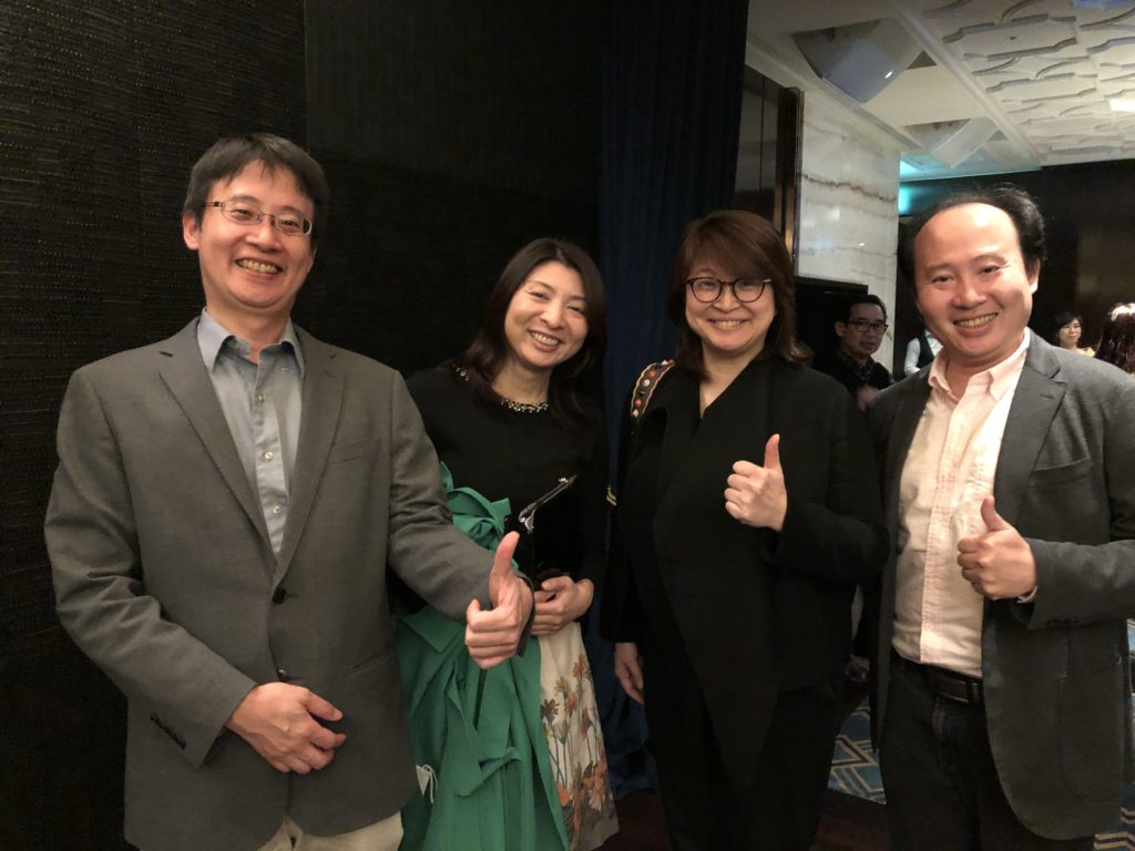 横浜の矯正歯科、横浜マウスピースセンター上田先生集合写真
