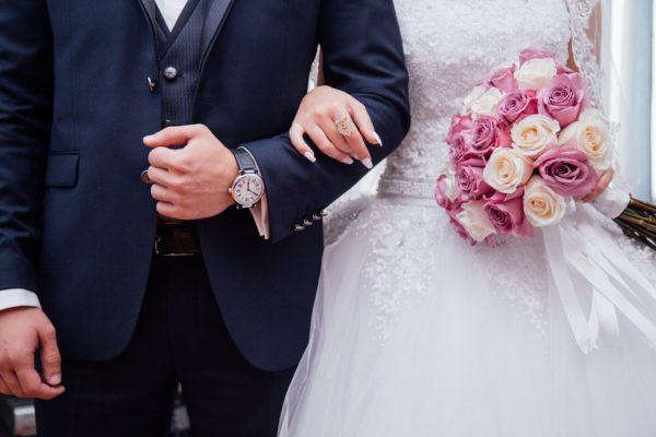 矯正治療中でも結婚・出産は可能? 横浜の矯正歯科が、ライフイベントへの影響記事イメージ